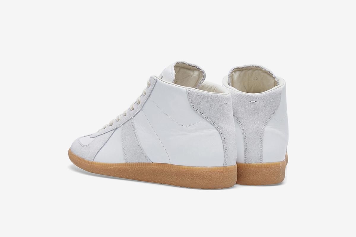 22 Replica Sneaker