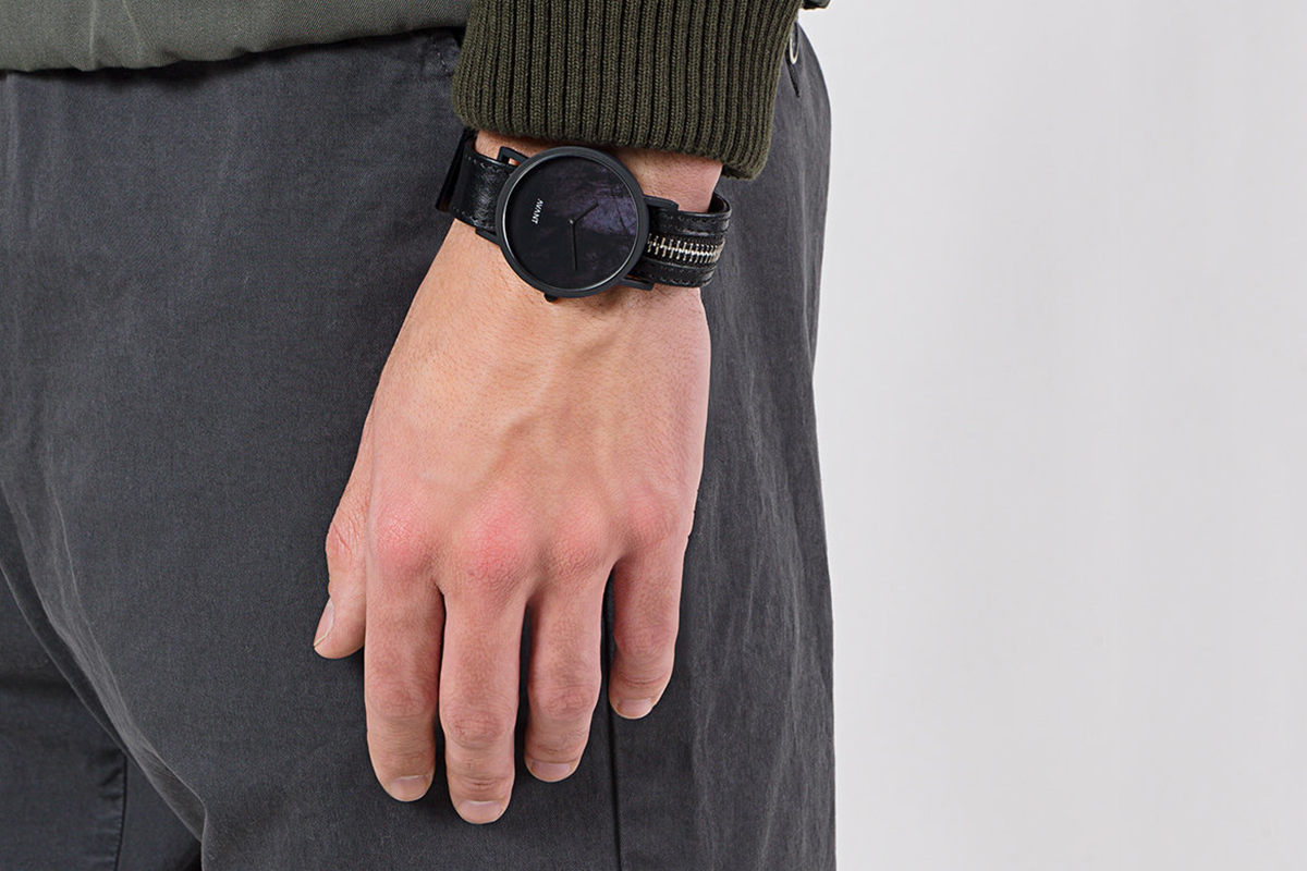 Avant Diffuse Watch