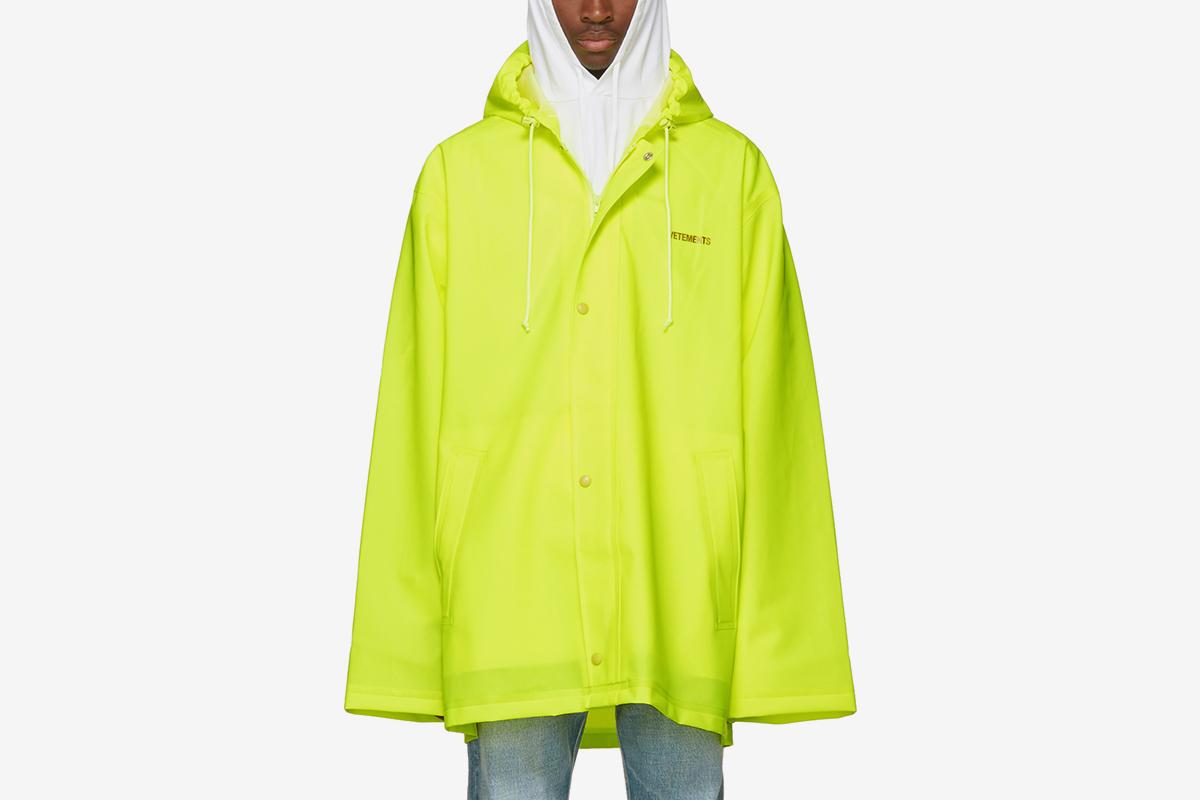 Short Logo Raincoat