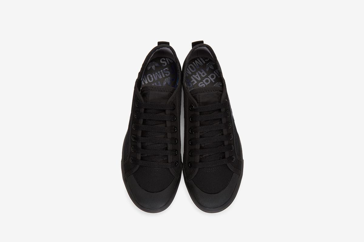 Spirit Low Sneakers