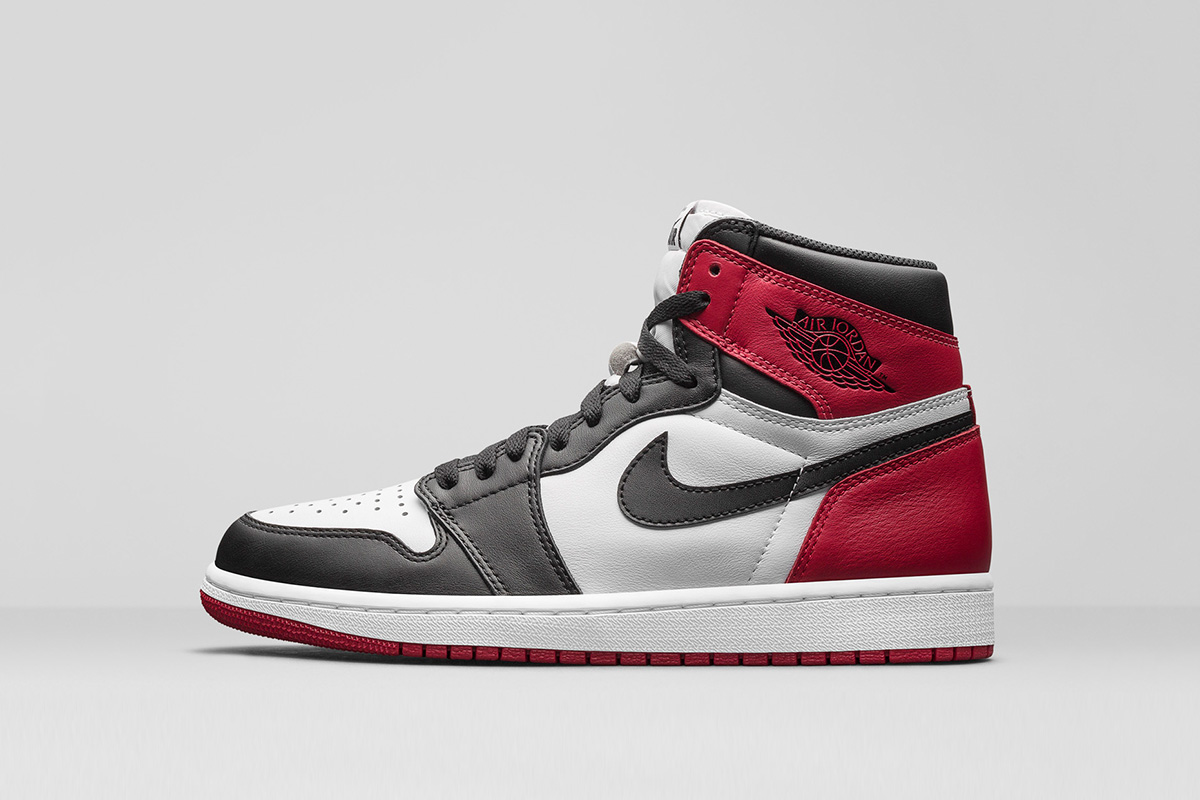 Air Jordan 1 Retro High OG Black Toe