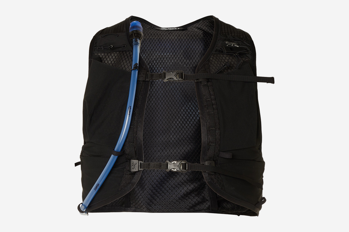 Norvan 7 Mesh Hydration Vest