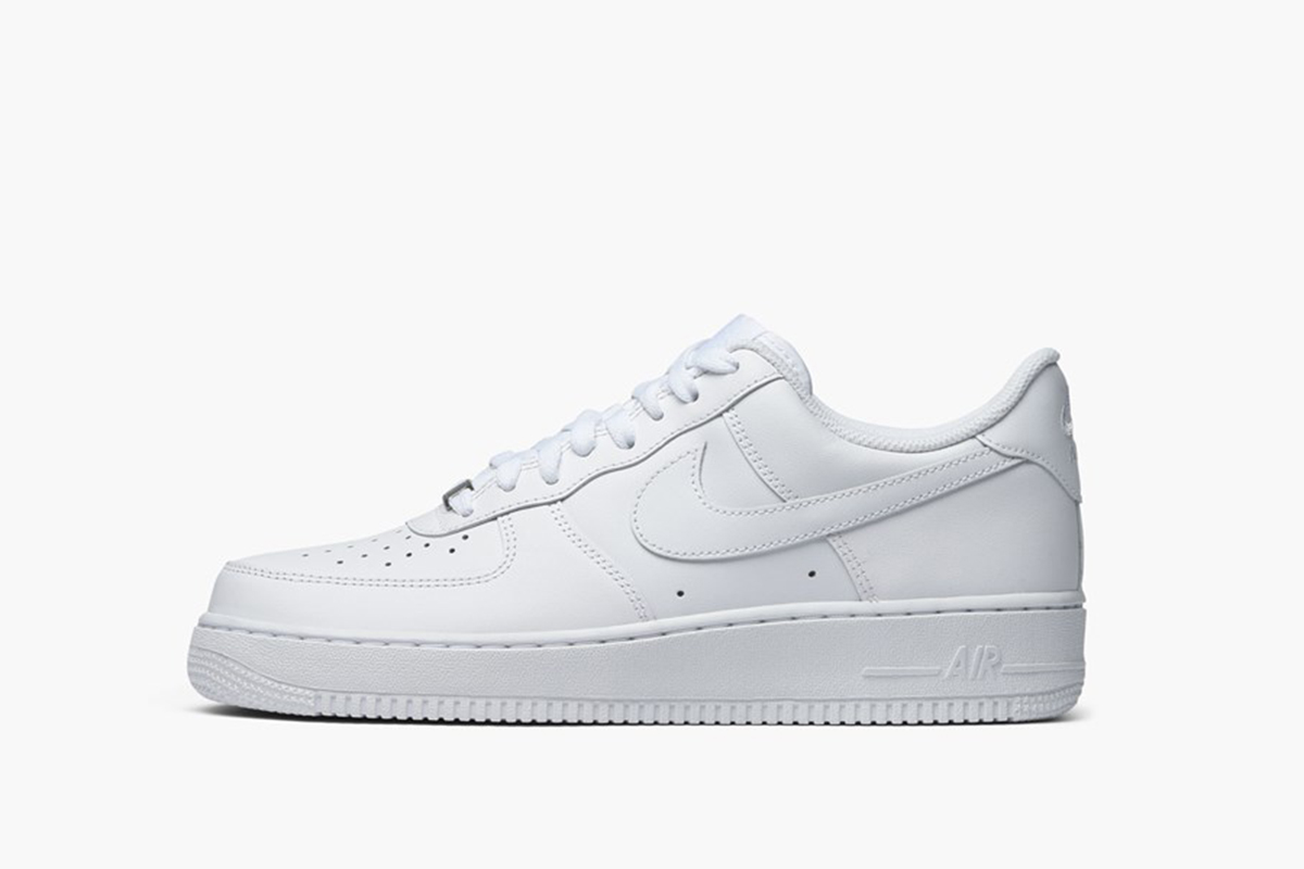 8bf8bab9722c Best White Sneakers for Men in 2019