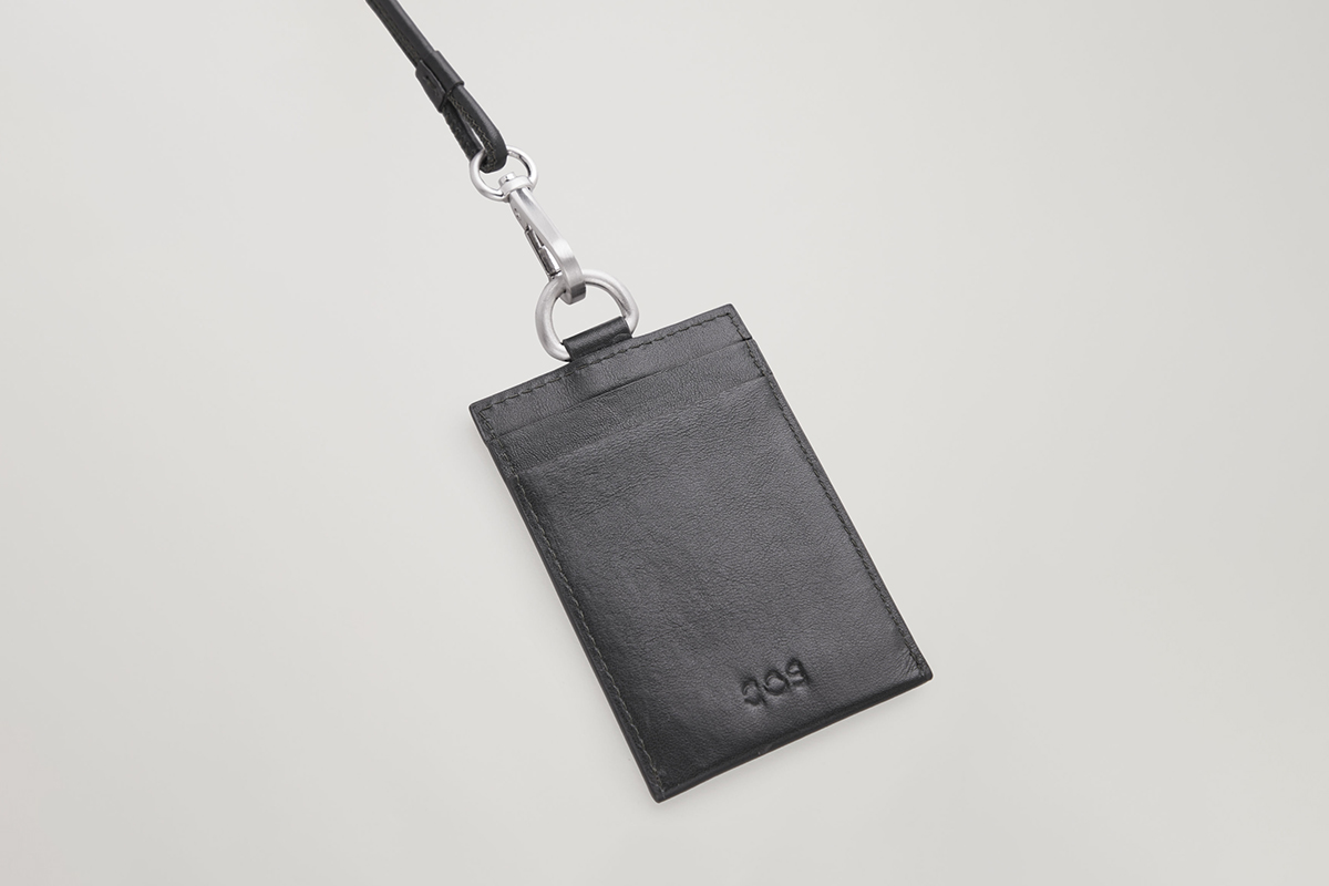 Leather Cardholder With Lanyard