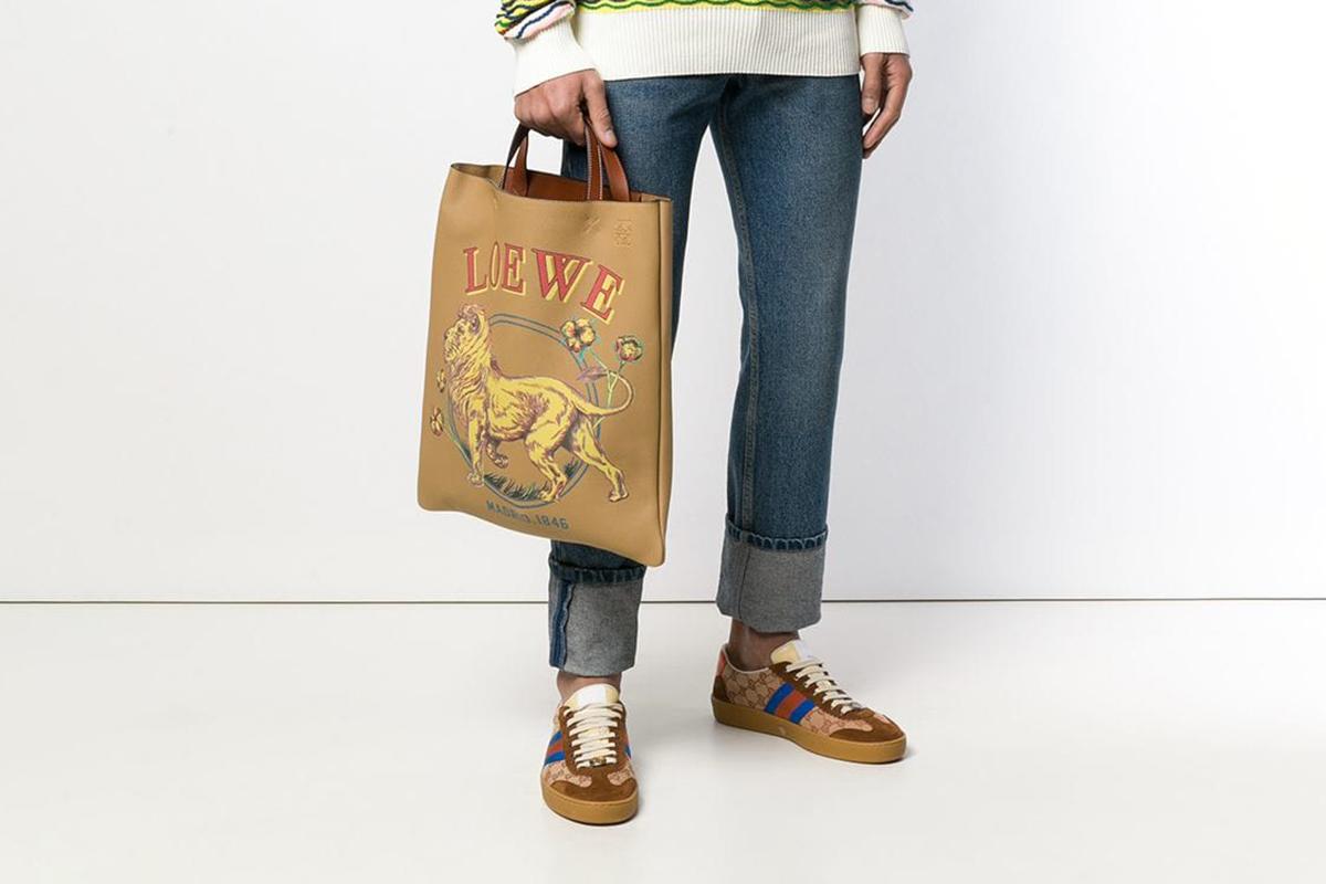 Lion Vertical Tote Bag