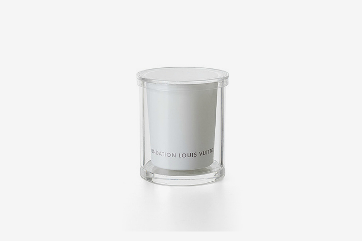 White Freesia-scented Candle with case