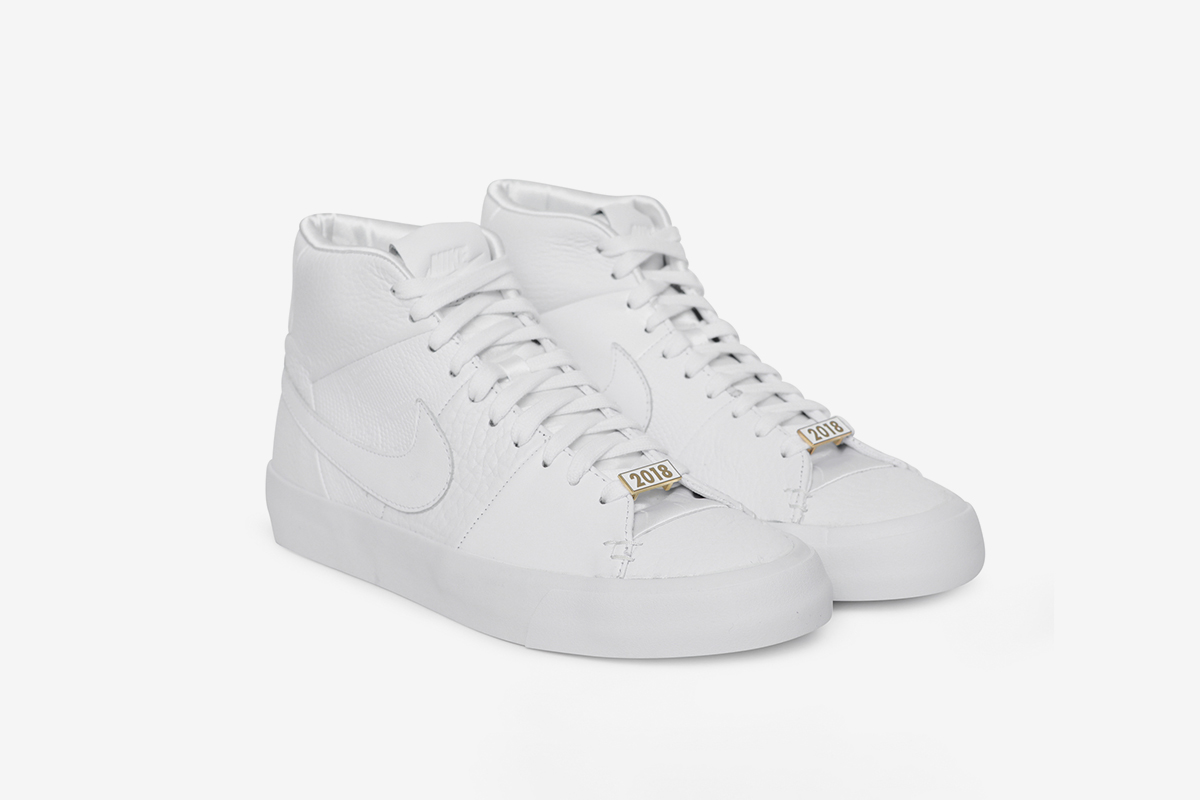 Blazer Royal 'Triple White'