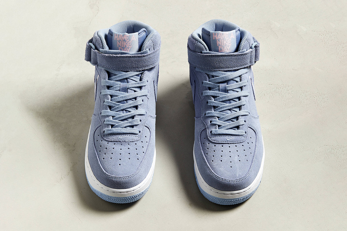 """Air Force 1 Mid '07 """"Have A Nice Day"""""""