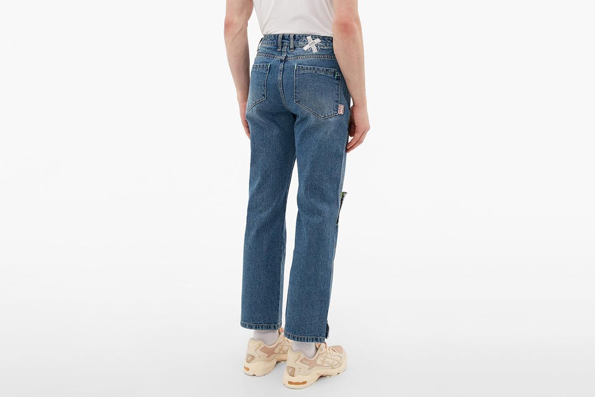 Slit Knee Logo Tab Jeans