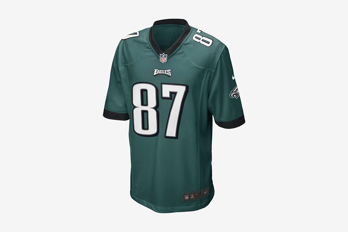 cee54d1af09 Nike Drops Patriots vs Eagles Superbowl Game Team Merchandise