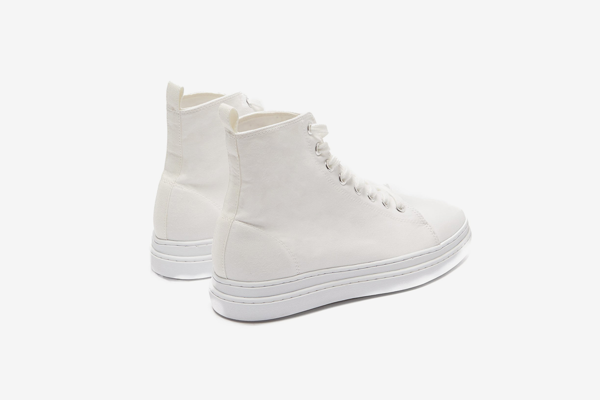 e619ee76c The 10 Best White Sneakers for Women in 2019